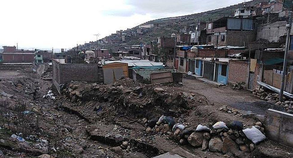 Municipio solicita retiro de pobladores  de Asentamiento Villa Pichu Pichu, quienes habitan en media torrentera exponiendo su vida en épocas de lluvia