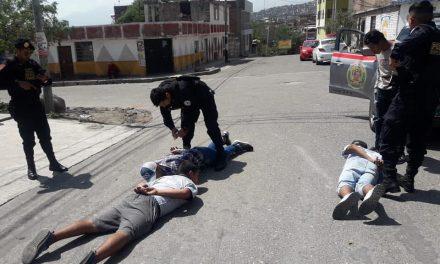 """Policía y Serenazgo reducen a los """"Los Cogoteros de Miguel Grau"""""""