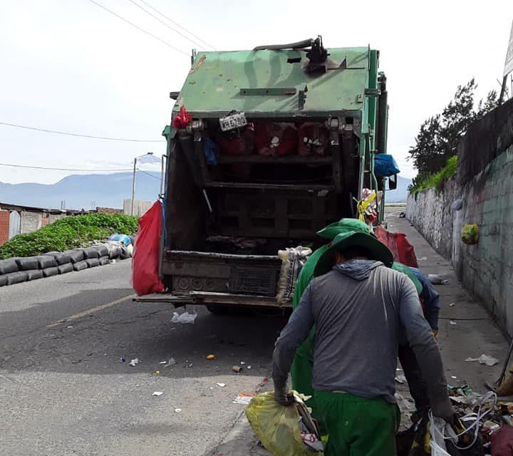 Operativo de limpieza en la parte baja del distrito