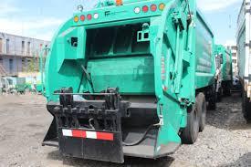 4 compactadoras y 2 camiones a doble turno para la limpieza del distrito