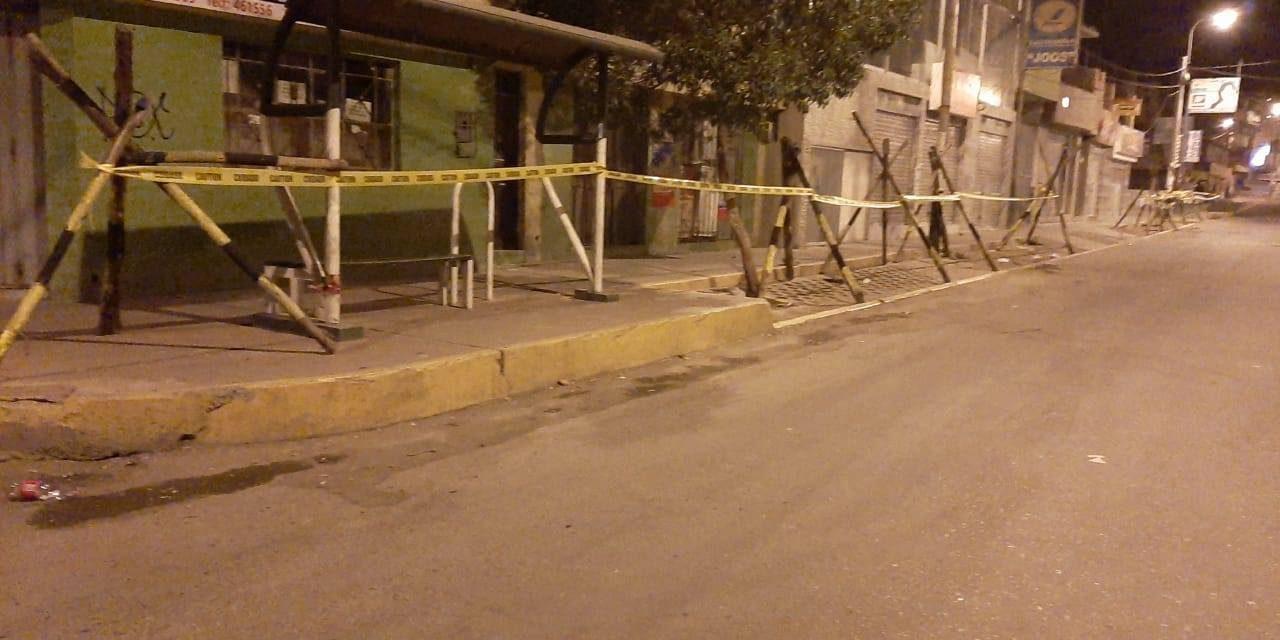 Colocado de vallas en toda la avenida Jesús para controlar el sistema ambulatorio